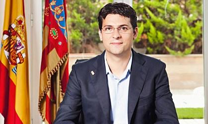 Adsuara reduce en 9,6 millones de euros la deuda municipal en 2 años
