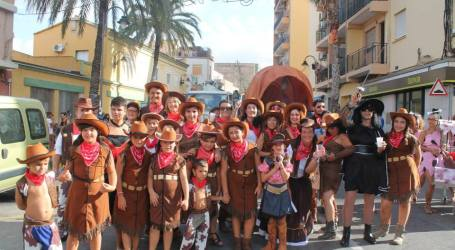 La Cabalgata recorrió las calles del Barrio del Cristo de Aldaia