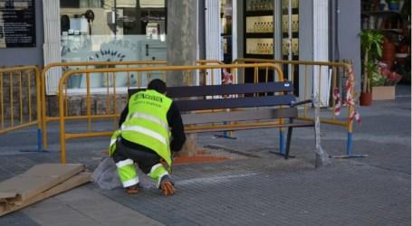 El Ayuntamiento de Aldaia renueva los bancos del municipio