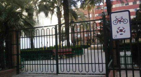 Los Socialistas de Sedaví denuncian el cierre del parque de la calle Valencia por plaga de procesionaria