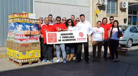 Los Socialistas de Manises entregan una tonelada de alimentos a la Xarxa Solidària