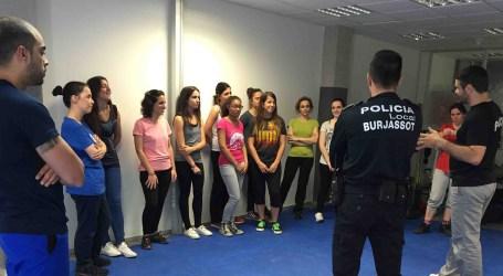 La Policía Local de Burjassot lanza una nueva edición del curso de autodefensa para mujeres