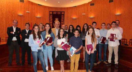 Los mejores alumnos de Moncada reciben su reconocimiento