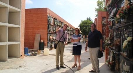 La Alcaldesa de Alaquàs supervisa las obras de ampliación del cementerio