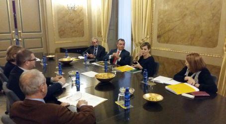 Elena Bastidas se reúne con el presidente de la CEV