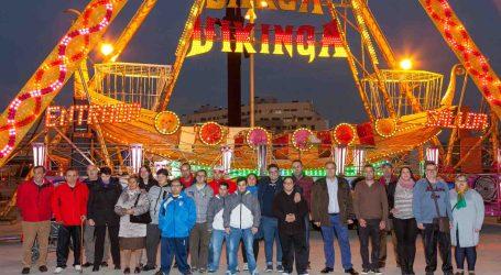 Los usuarios del Centro Ocupacional de Mislata disfrutan de la Feria de Navidad