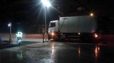 Mislata cuenta en fallas con una brigada nocturna que limpia las calles tras las verbenas