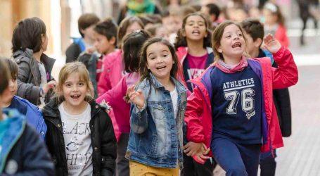 Los escolares de Mislata disfrutan con la campaña 'Anem al teatre'