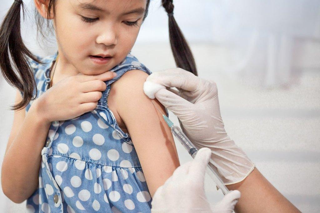 child getting a flu shot