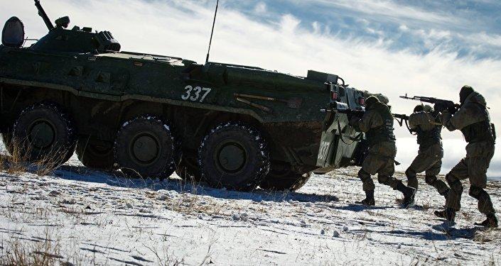 ANALISTAS SE PREGUNTAN POR QUÉ RUSIA REALIZA LAS MAYORES MANIOBRAS MILITARES EN CRIMEA DESDE LA URSS