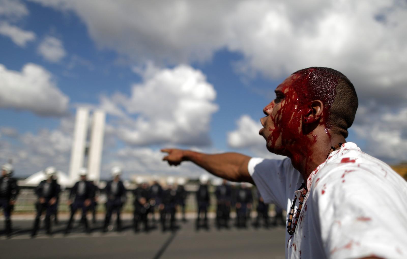 PRESIDENTE BRASILEÑO SACA EJÉRCITO A LA CALLE TRAS VIOLENTAS PROTESTAS E INCENDIO DE UN MINISTERIO