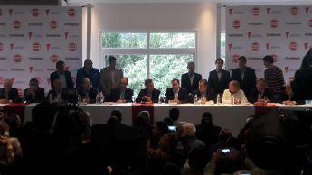 Macri llega al salón donde se realiza el Foro. Foto: El Milenio.