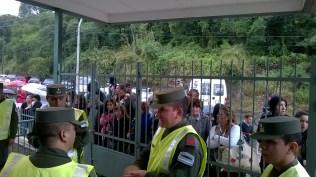 A pesar de la lluvia, la gente se hizo presente para mostrarle apoyo al Presidente. Foto: El Milenio.