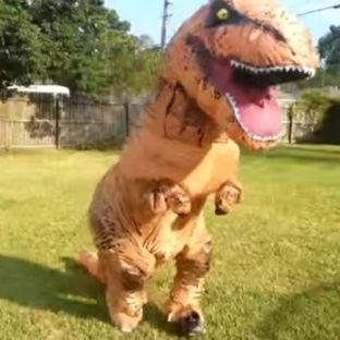 10-Dinosaurio Estos reptiles extintos hace 65 millones de años siguen estando entre las criaturas más espectaculares y aterradoras de la historia del planeta, además de ser uno de los disfraces más buscados para el próximo Halloween.