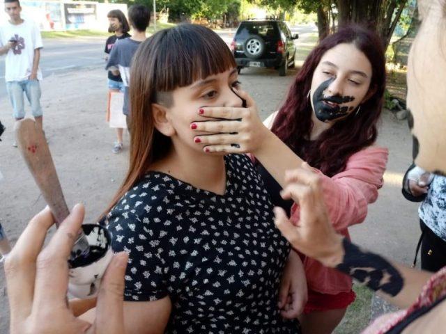 En Mendiolaza visibilizan la violencia que sufren las mujeres 1