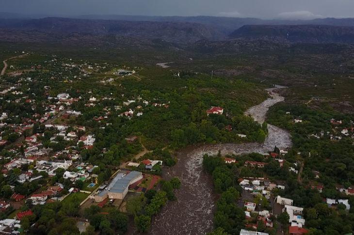 Fotos que estremecen: la crecida del río Mina Clavero 6