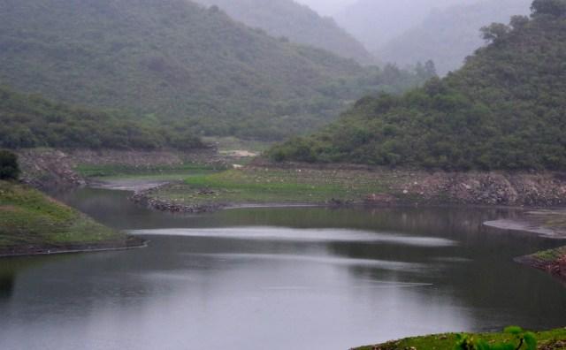 Tras la sequía, desbordó el dique La Quebrada (vídeo) 3