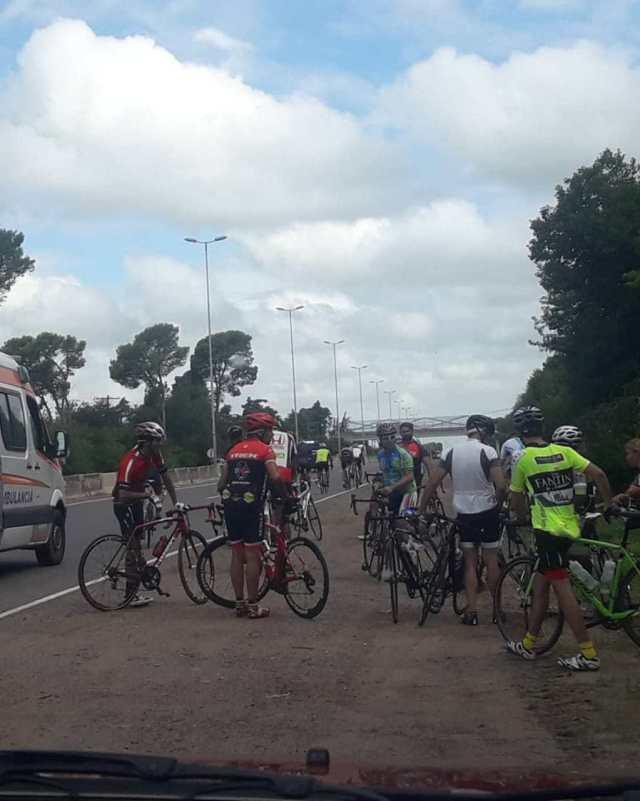 Accidente entre ciclistas, también sobre la  ruta E-53 3