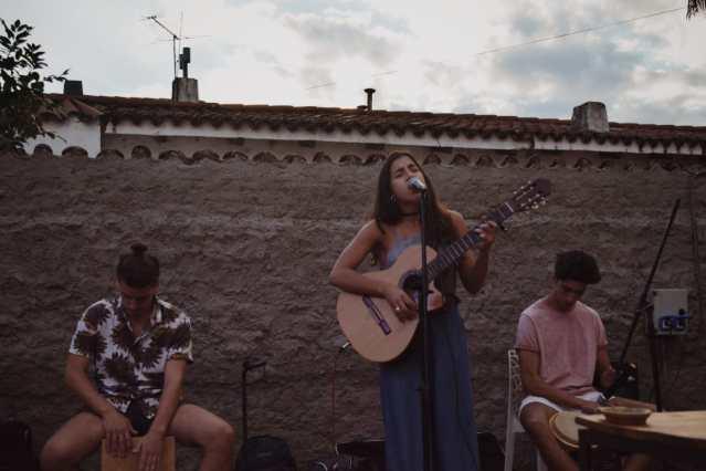 """""""Ramé"""", el joven trío musical de Mendiolaza 6"""