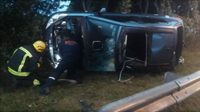 Un vehículo perdió el control y volcó, dos mujeres resultaron heridas 1