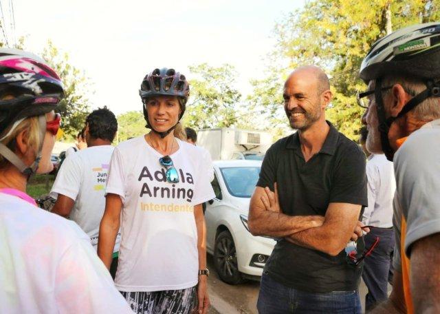 Dietrich y Arning pasearon en bicicleta por Mendiolaza 2
