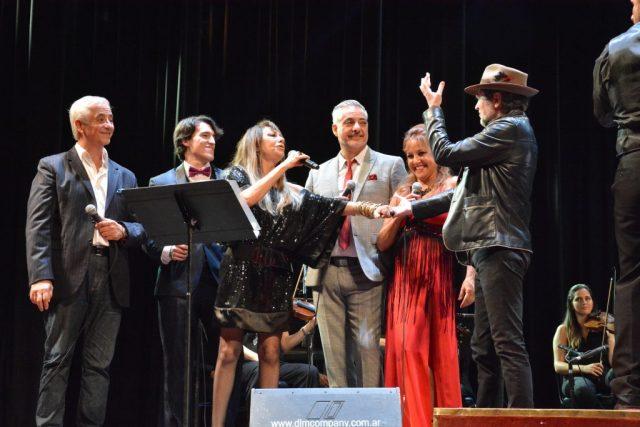 La poesía despertó pasiones en el Teatro del Libertador 4