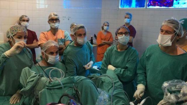 Realizan inédita extirpación de un tumor en un hospital de Mar del Plata 1