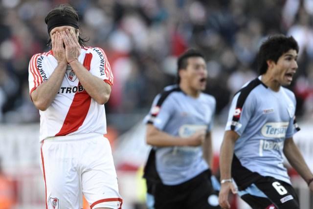 LA FOTO DEL DÍA: hace 8 años River Plate descendía a la B Nacional 13