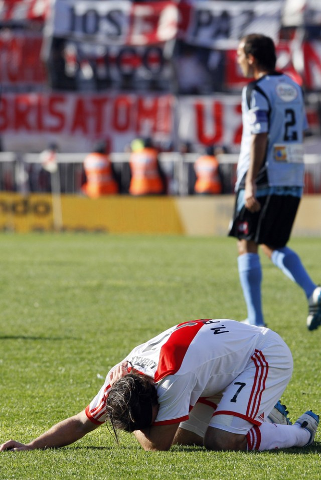LA FOTO DEL DÍA: hace 8 años River Plate descendía a la B Nacional 19