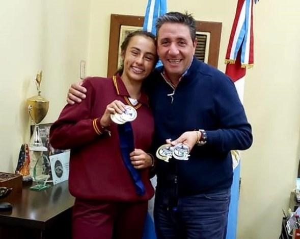 Reconocen al Equipo Femenino de Atletismo de un colegio de Villa Allende 2