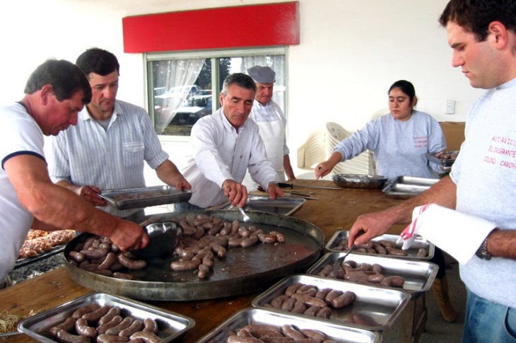 Se viene la 36º Fiesta del Codeguín en Colonia Caroya 7
