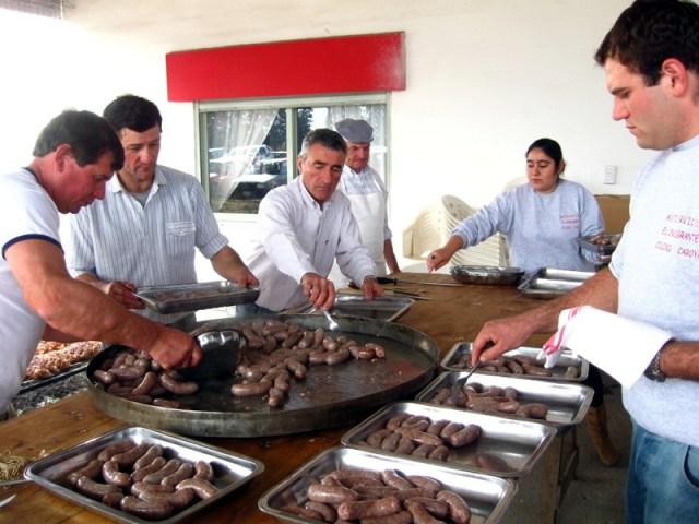 Se viene la 36º Fiesta del Codeguín en Colonia Caroya 1
