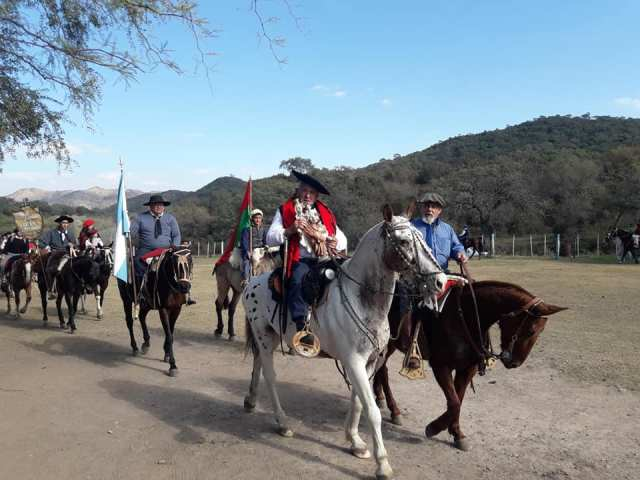 Emocionante inicio de las Fiestas Patronales en Villa Allende 22