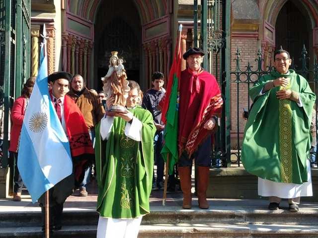 Emocionante inicio de las Fiestas Patronales en Villa Allende 18