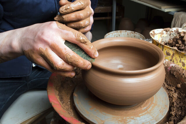 Villa Allende: feria de cerámica moderada por Pablo Curutchet 8