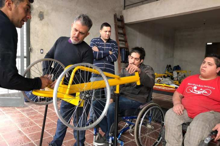 """""""Fondo Ayudar"""" colabora con la fabricación de bicicletas adaptadas 2"""