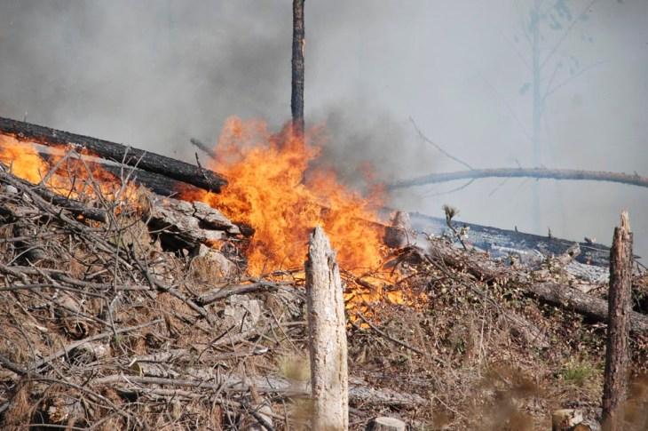 Fue contenido un foco de incendio en La Calera 1