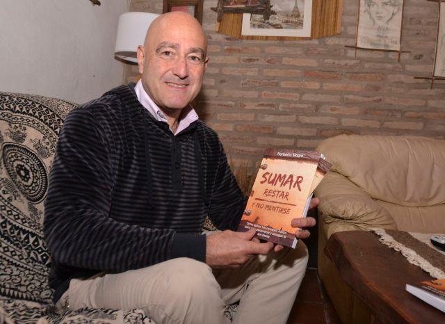 Norberto Magris presentó su primer libro 1