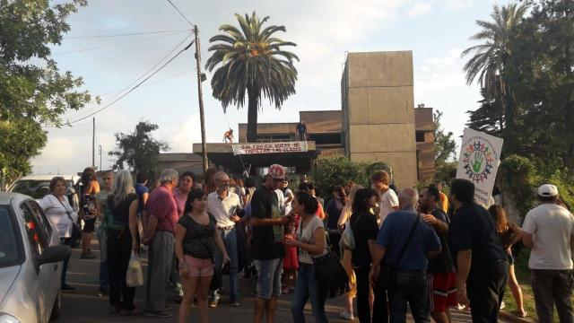 Colegio Morzone: continúa el reclamo por la entrega del nuevo edificio 1