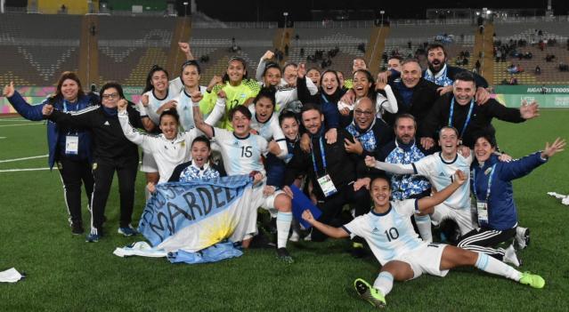 La selección argentina femenina de fútbol va por el oro 1