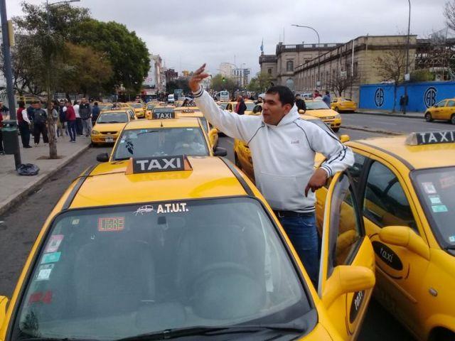 Malestar en taxistas y remiseros por el desembarco de Uber en Córdoba 2