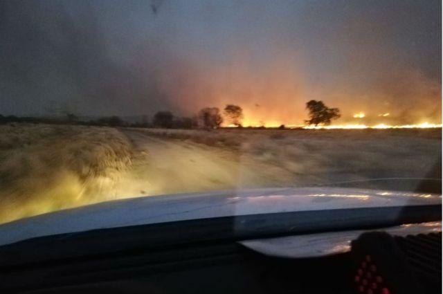 Bomberos combaten dos focos de incendios en Traslasierra 4