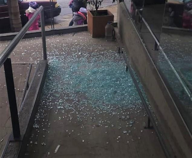 Preocupación tras destrozos y robo en el centro de Río Ceballos 4