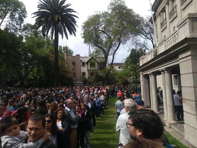 Masiva participación de votantes argentinos en el exterior 12