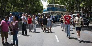 Exhibición de autobuses antiguos en Pasea Madrid. Foto: Eugenio Rigo