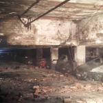 Un aparatoso incendio en un garaje calcina más de 20 vehículos