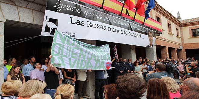 Concentración en memoria de Ignacio Echeverría, Las Rozas.