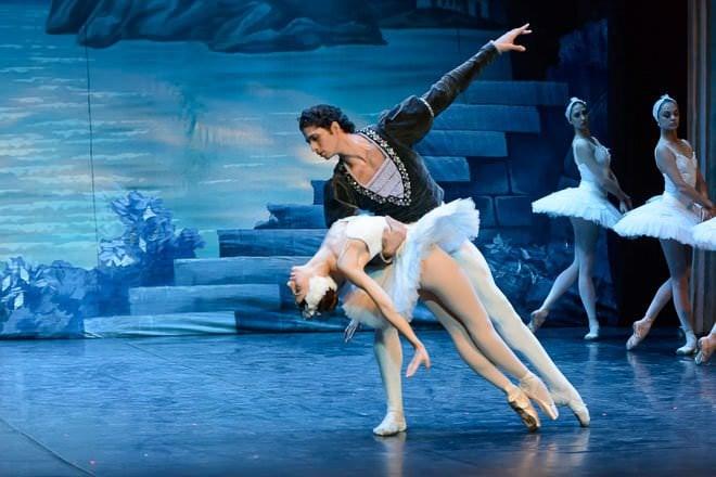 lago cisnes carlos bouza ballet ruso