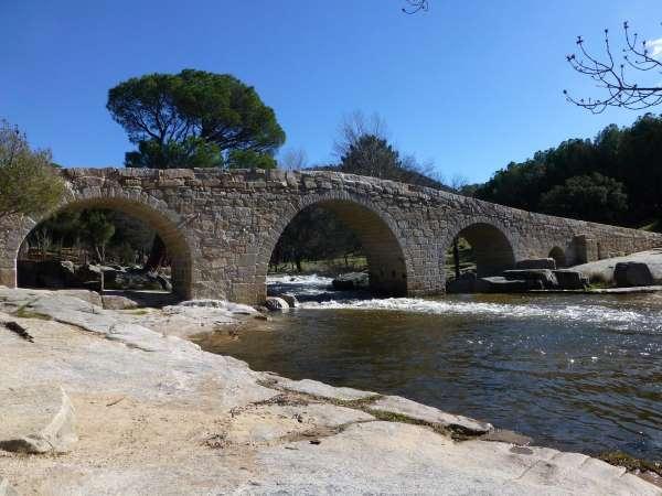 puente mocha rio cofio ruta valdemaqueda