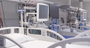 camas UCI hospital gregorio marañón